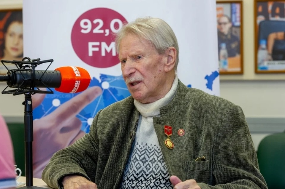 Иван Краско обвинил своего директора в посягательстве на дачу.