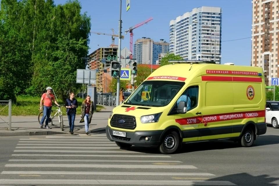 Пенсионерка насмерть разбилась, выпав из окна 7 этажа в Ленобласти.