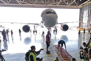 Петербургский бодибилдер протащил «Аэробус» весом 43 тонны и установил рекорд