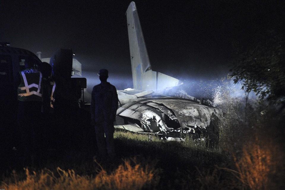 Число погибших при крушении транспортного самолета ВВС Украины в Харьковской области достигло 25 человек.