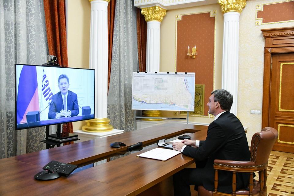 Документ подписали Василий Орлов подписал и председатель правления ПАО «Газпром» Алексеем Миллером. Фото: правительство Амурской области