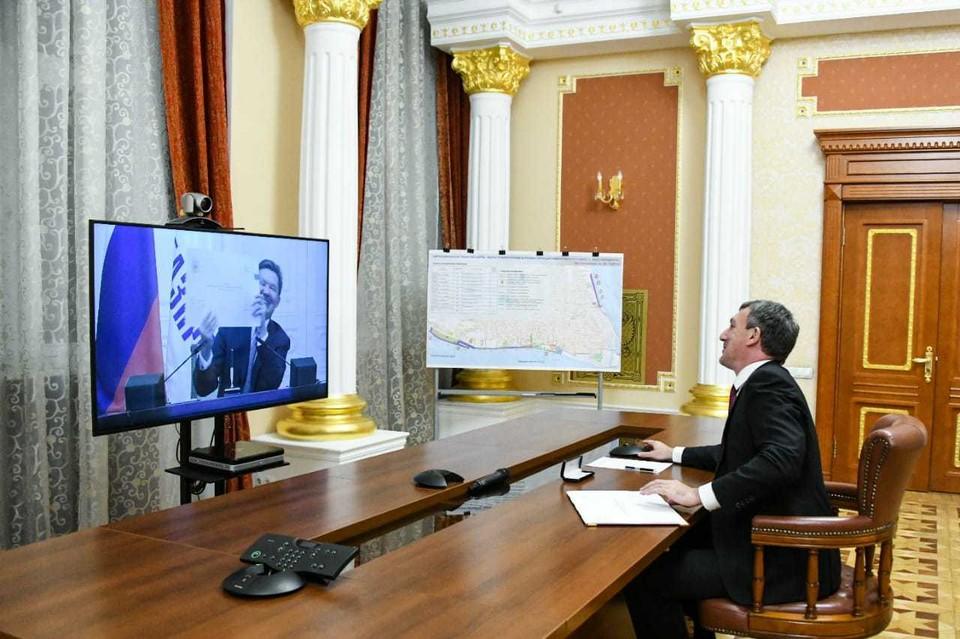 Губернатор Василий Орлов и глава «Газпрома» Алексей Миллер подписали программу газификации Приамурья до 2026 года.