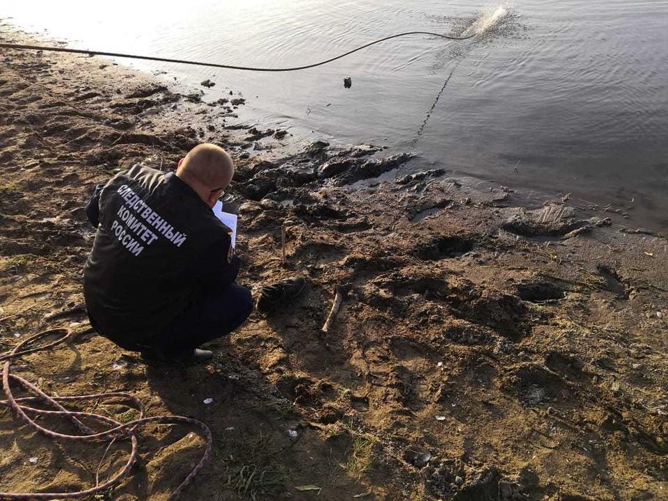 Под Саратовом мальчик выловил удочкой кроссовок с частью человеческой ноги