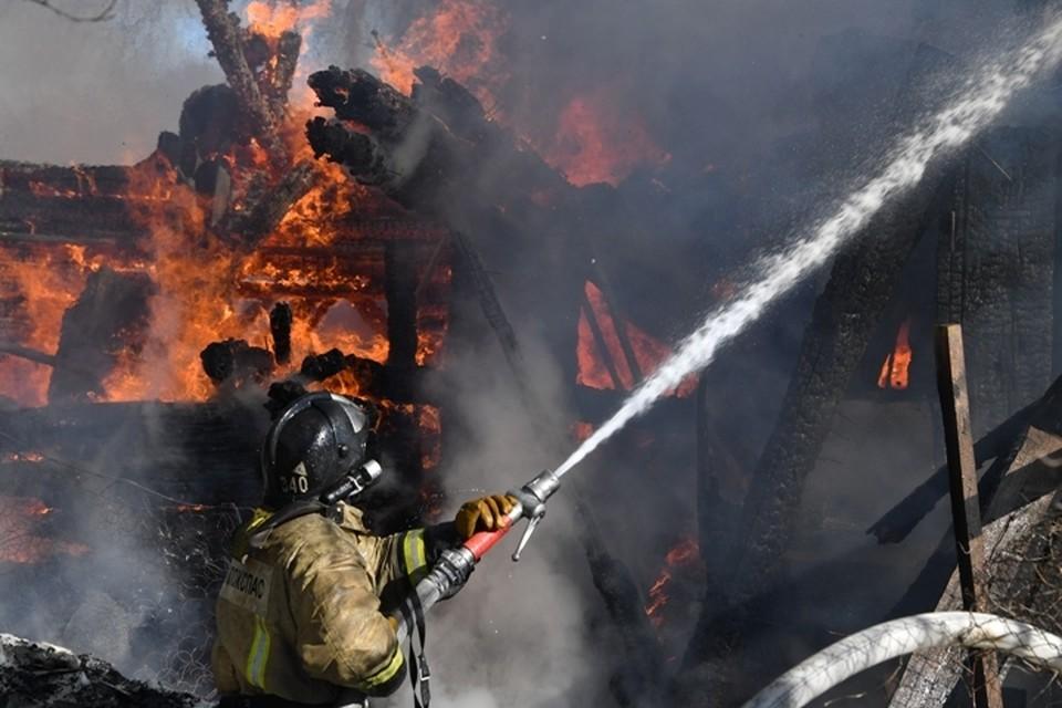 Труп мужчины обнаружен в сгоревшем доме в Кузбассе