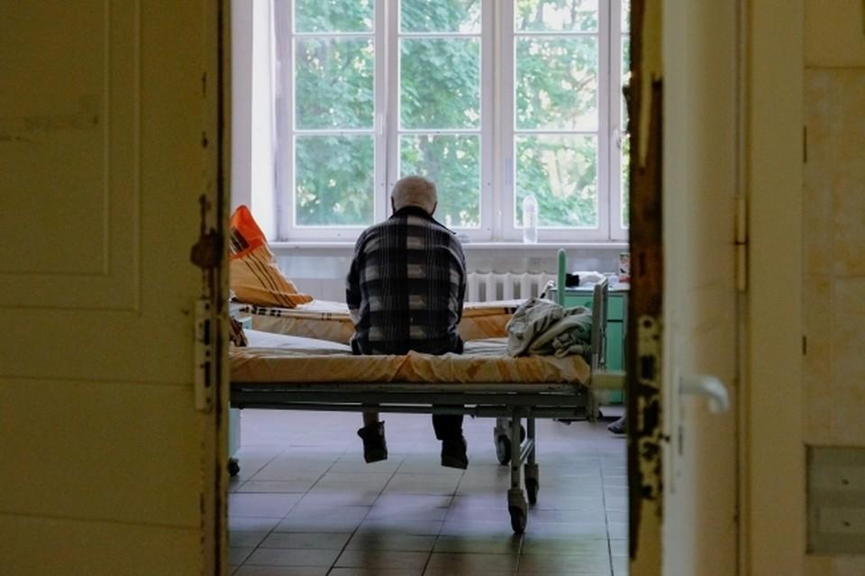 Крымчане жалются, что не могут лечь в больницу даже с коронавирусом и пневмонией