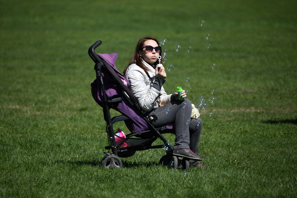 Половина молодых россиян не планирует заводить детей