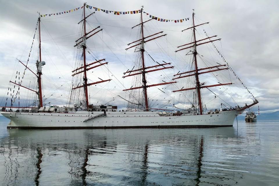 """""""Седов"""" - самое большое учебное парусное судно в мире. Фото - Виктор Гуменюк"""