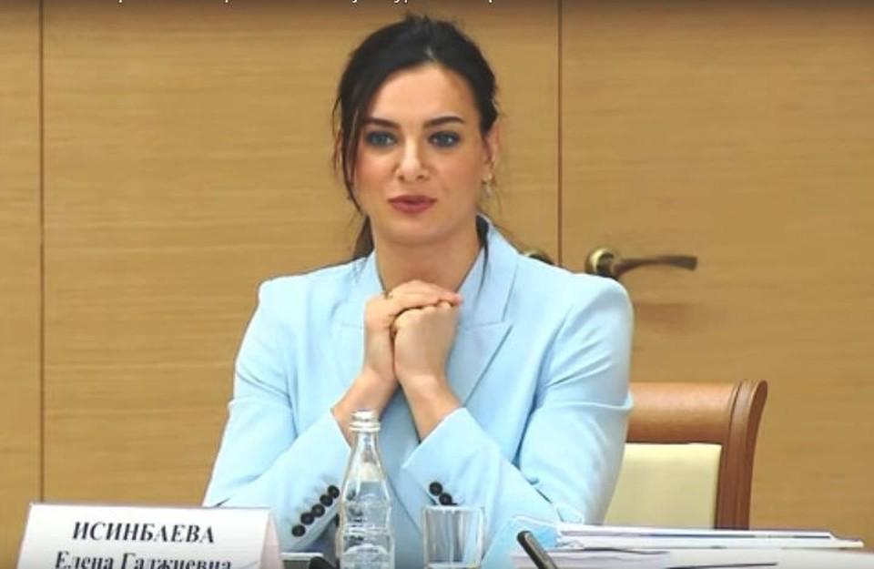 Фото - скрин видео РТ с заседания Совета по развитию физкультуры и спорта.