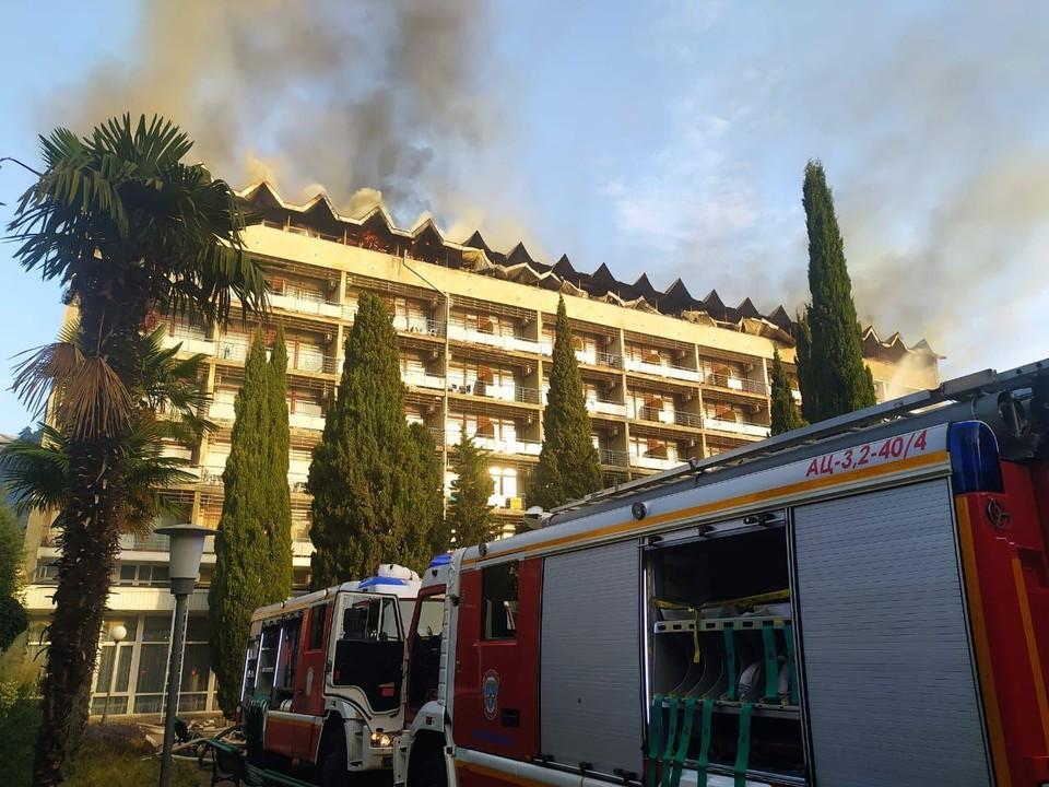 """Пожар тушили на площади больше тысячи квадратных метров. Фото: Архив """"КП""""."""