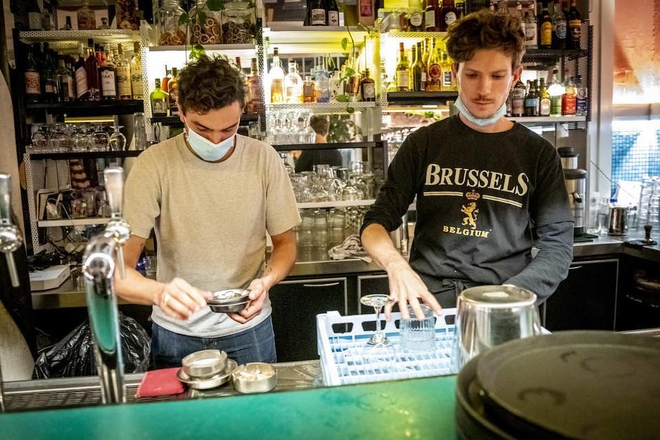 В Брюсселе бары закрываются с 8 октября. Пока что на месяц.