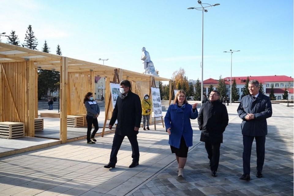Глава Минстроя оценил новую площадь в башкирском Ишимбае. Фото: minstroyrf.gov.ru