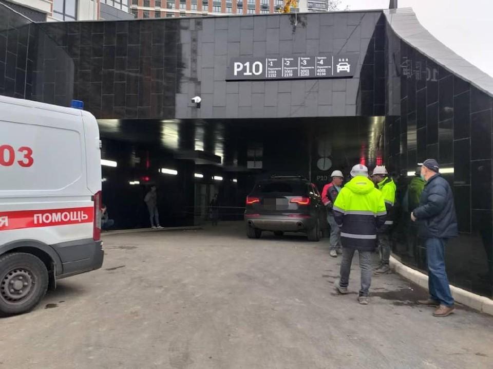 Мужчину насмерть зажало воротами паркинга в Москве. Фото: прокуратура Москвы