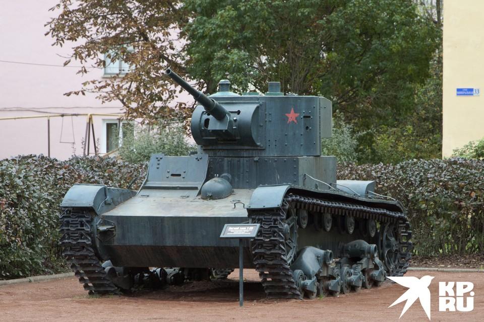 Этот танк Т-26 поднят из реки Ловать в Новгородской области, точно такие же принимали участие в бою у рязанской деревни Поярково.