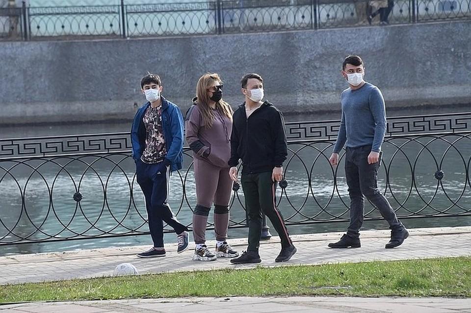 Все специалисты регулярно напоминают о масках и социальной дистанции
