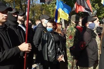 Записки киевлянки: «Главное — российскую вакцину не взять! А то украинцы снова потянутся к Путину»