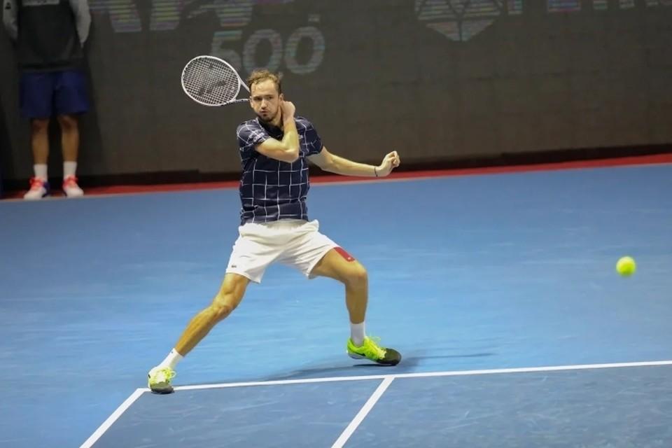 Даниил Медведев сенсационно выбыл из St.Petersburg Open 2020.
