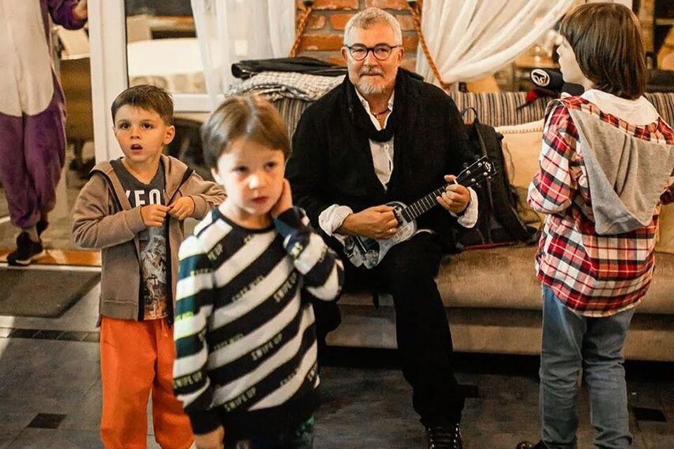 Дмитрий Дибров теперь не пьет и не курит. Ему еще сыновей поднимать!