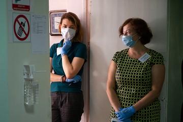 Учителей не будут отстранять от работы за отказ прививаться от коронавируса