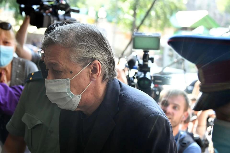 Ефремова доставили в Мосгорсуд для рассмотрения жалобы на приговор
