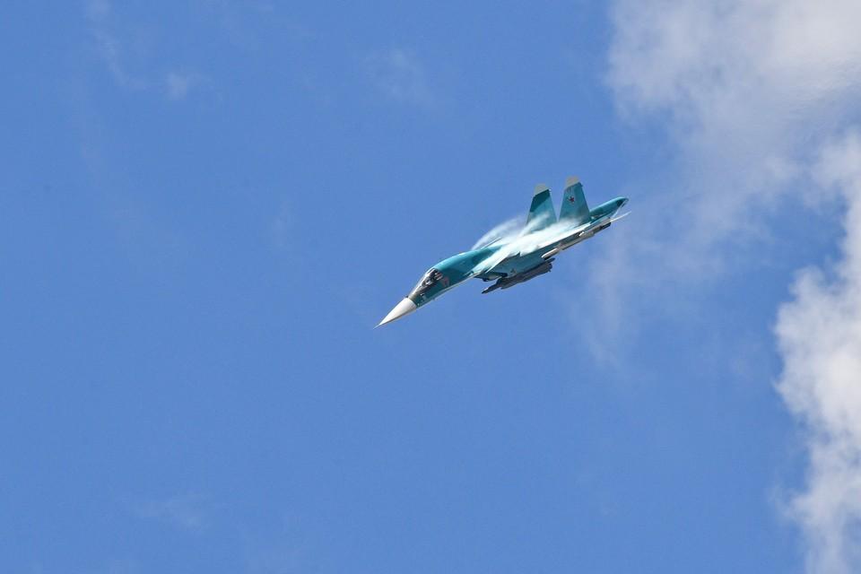 Военный самолет упал в Хабаровском крае во время учебного полета