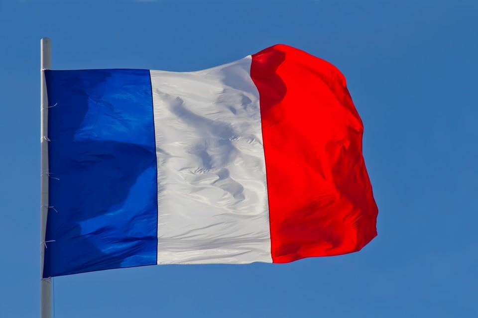 Франция отозвала посла из Турции.