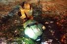 В Барнауле бабушка по следам на снегу нашла двухлетнюю внучку в канализации