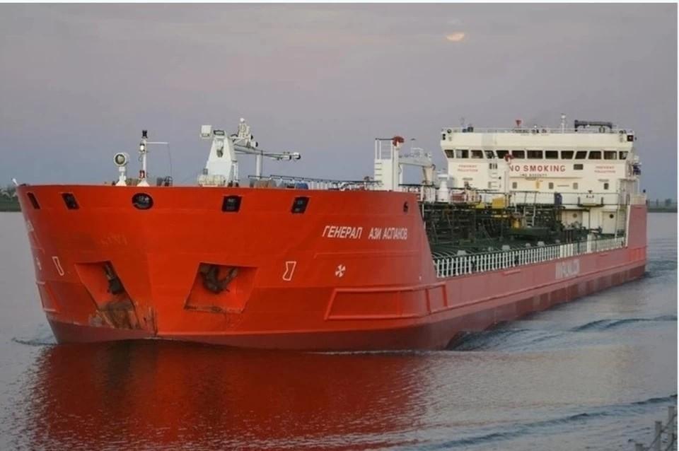 В Азовском море завершились поиски троих моряков с нефтяного танкера.