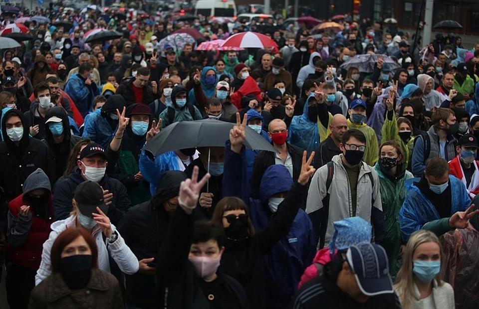 """Второй день в Белоруссии проходит """"общенациональная забастовка"""", объявленная оппозицией"""