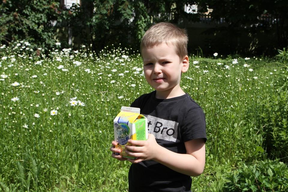 Йогурт – это не только вкусный продукт, но и источник белка, который легко усваивается в организме ребенка.