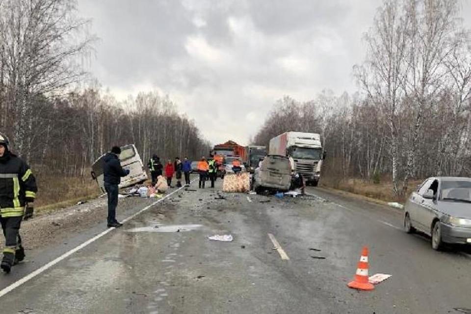 Двое детей и четверо взрослых погибли в ДТП на кузбасской трассе. ФОТО: прокуратура города Новосибирска.