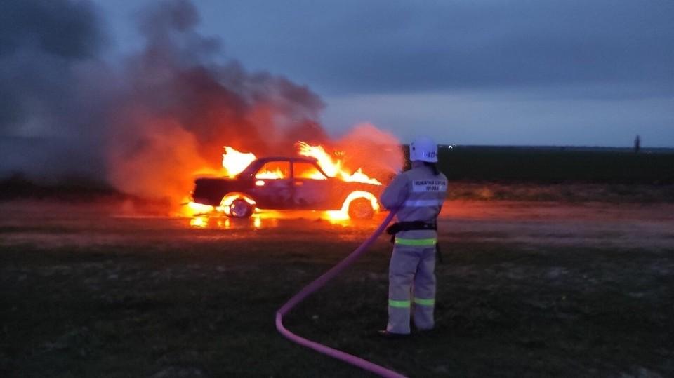 В Раздольненском районе полностью сгорела машина.