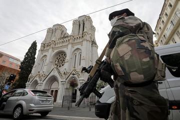 Пять атак на Францию: власти вводят в стране антитеррористический план