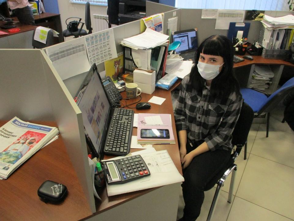 Когда два человека общаются в масках, они защищены на 70%. Фото: Юрий ЧИГВИНЦЕВ