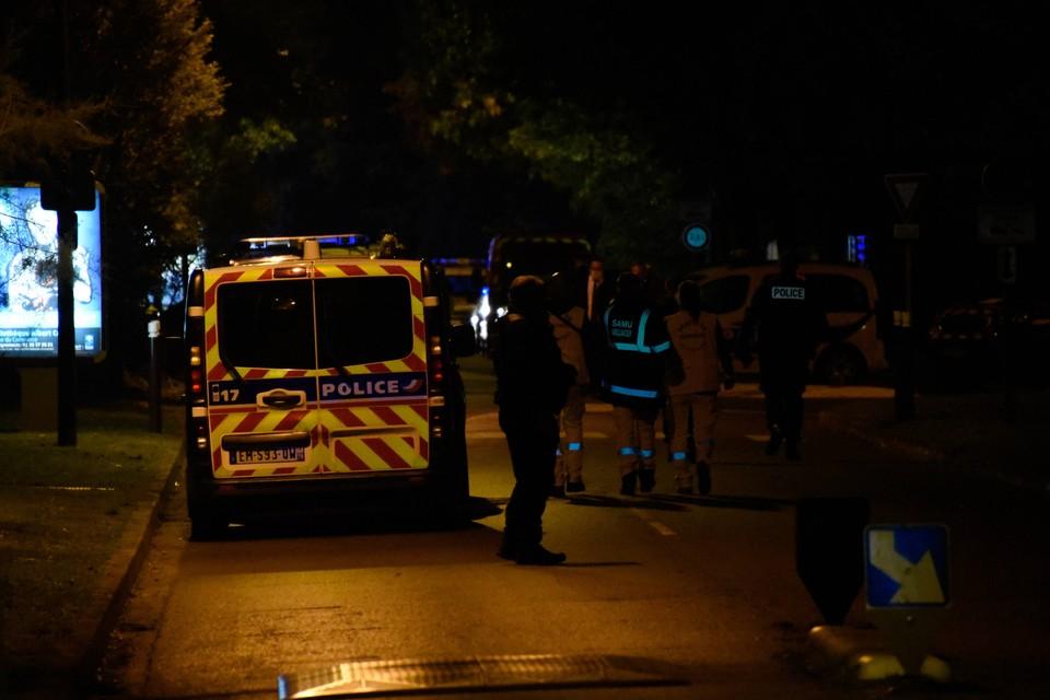 Преступник, стрелявший в священника, был задержан в третьем округе Лиона в одном из общепитов.