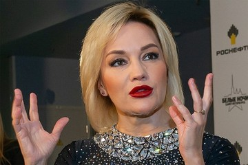 Татьяна Буланова впервые вышла в свет с таинственным возлюбленным