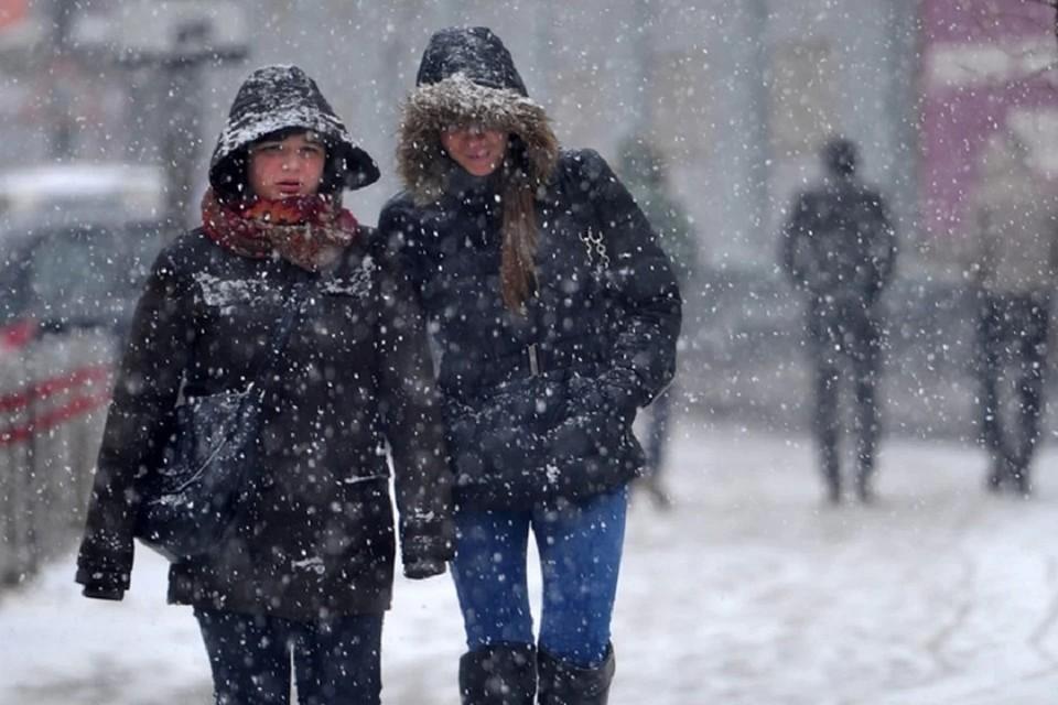 Синоптики предупреждают: на Иркутскую область надвигаются снег и сильный ветер