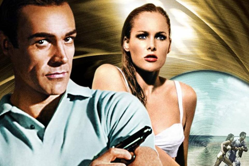 Не успела кровать Шона Коннери остынуть после его смерти, как один из самых известных предметов, связанных с его киногероем Джеймсом Бондом, пистолет «Вальтер» выставили на продажу