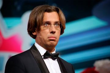 «Какой прекрасный бал во время чумы»: Максим Галкин высказался о светской вечеринке «Человек года»