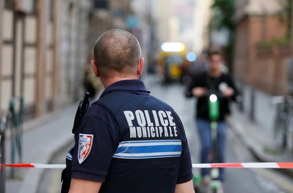 Два человека убиты и один ранен при нападении с ножом во Франции