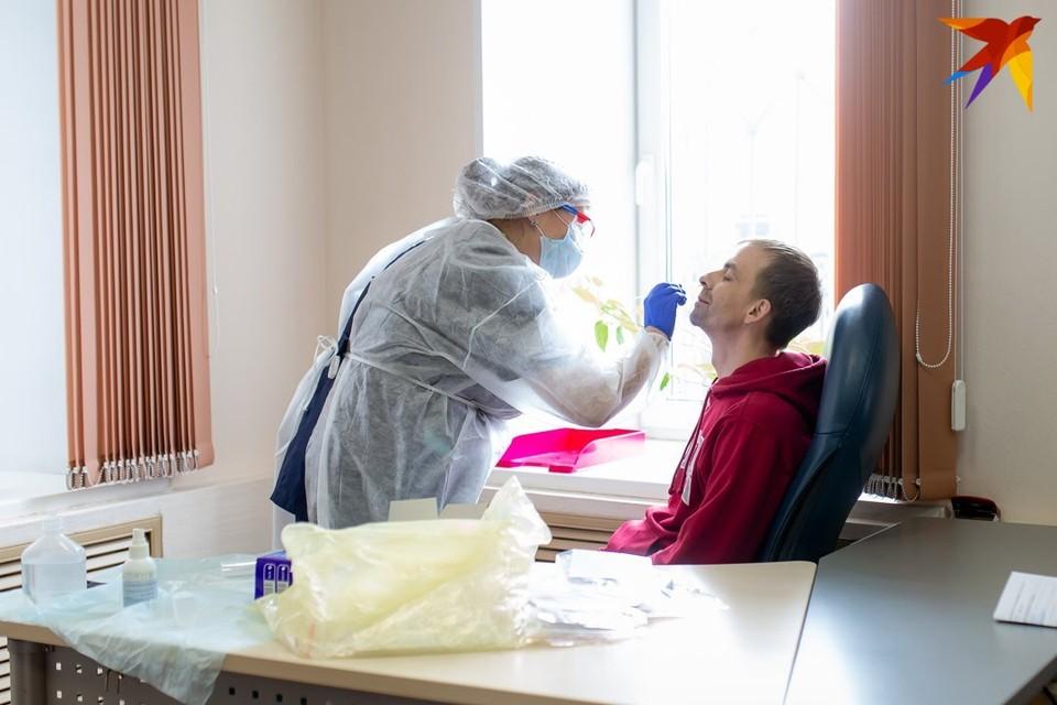 Для ПЦР-диагностики коронавируса в Беларуси мобилизуют все лаборатории, где это можно сделать, как государственные, так и частные.