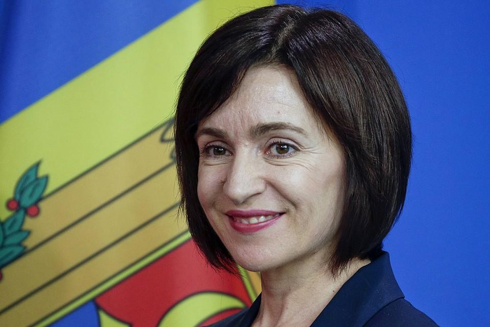 Занимая еще в 2012 году должность министра образования Молдавии, Санду убрала преподавание русского языка из школьной программы