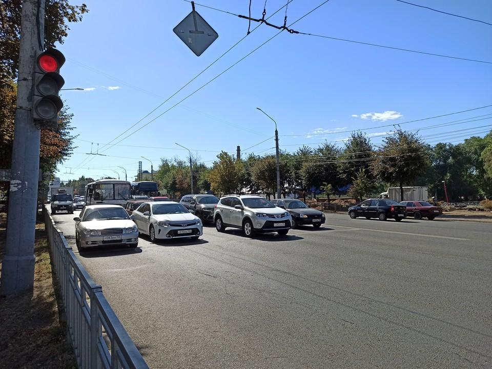 Водителям стоит быть внимательнее на пересечении Московского проспекта с улицей Лидии Рябцевой.