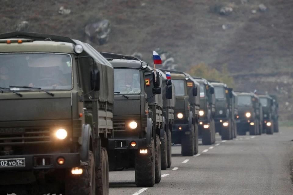Российские миротворцы прошли маршем из Еревана в Степанакерт