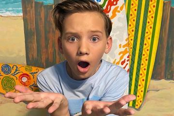 «Лиса хитрая, ворона глупая, и только сыр — молодец!»: школьник получил двойку за нестандартное сочинение, но прославился в интернете