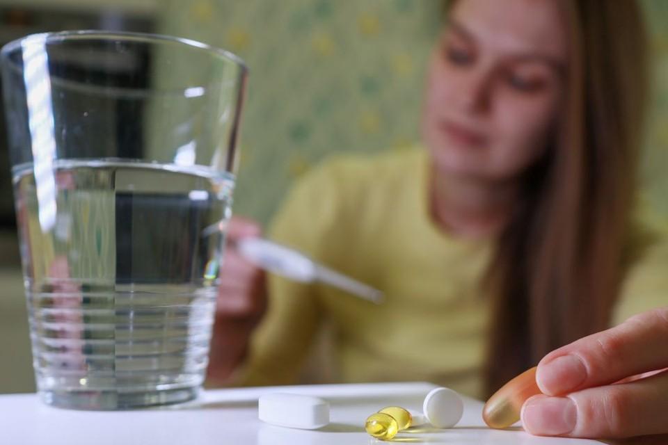 Врач-инфекционист рассказала, чего делать не нужно, когда лечишь коронавирус дома.