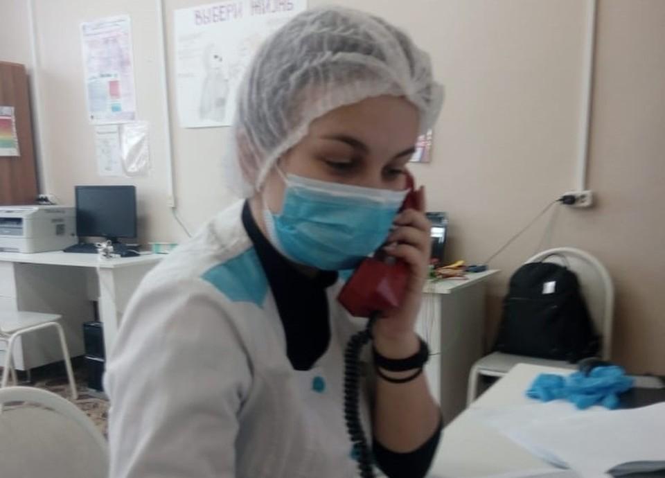 Около 100 смоленских студентов помогают врачам в пандемию. Фото: департамент Смоленской области по здравоохранению.