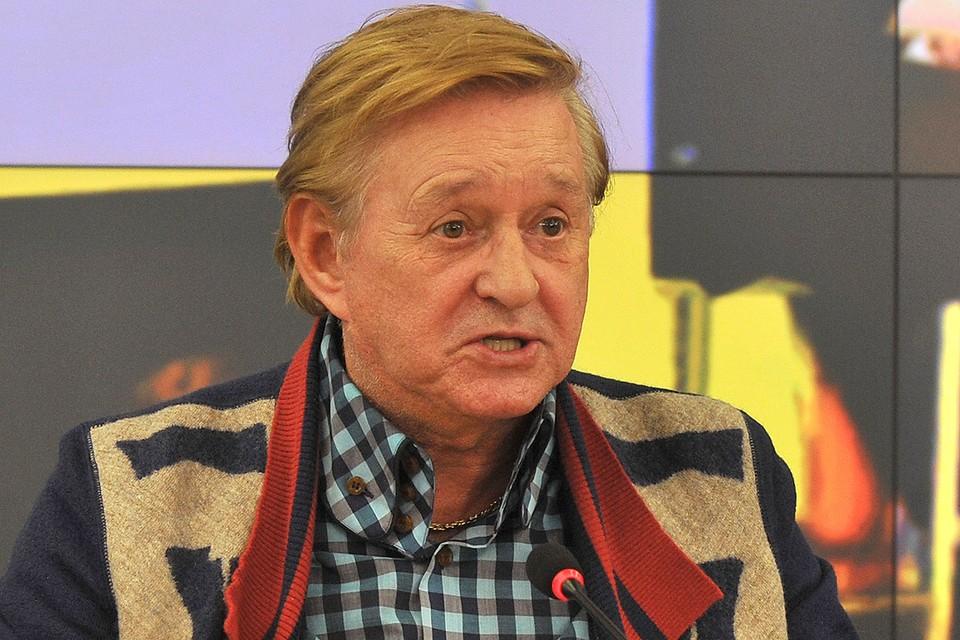 Роман Виктюк умер в больнице на 85-м году жизни, куда он был госпитализирован 28 октября