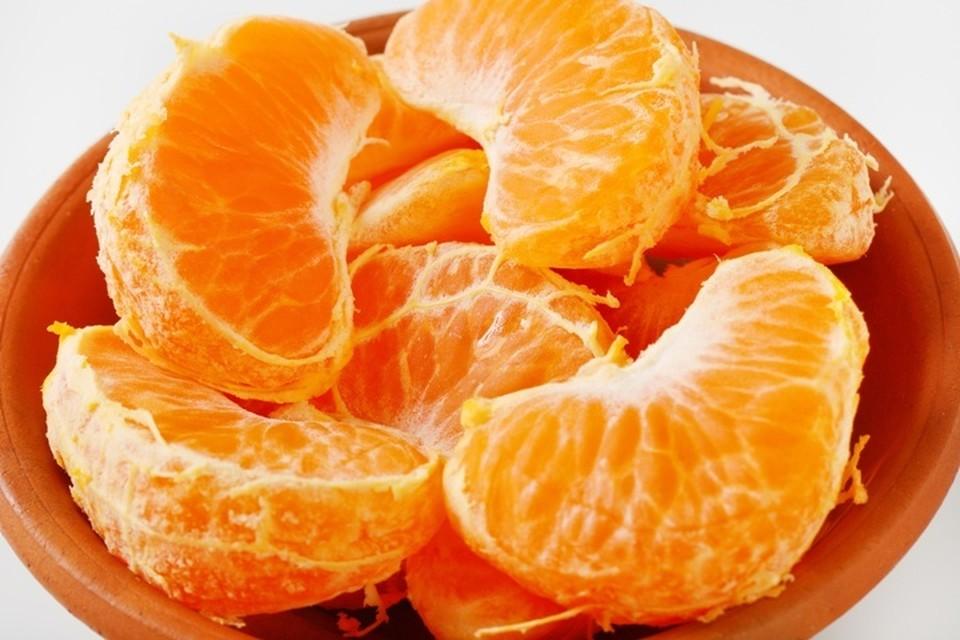 Доктор рассказала, чем можно заменить мандарины, если у вас на них аллергия