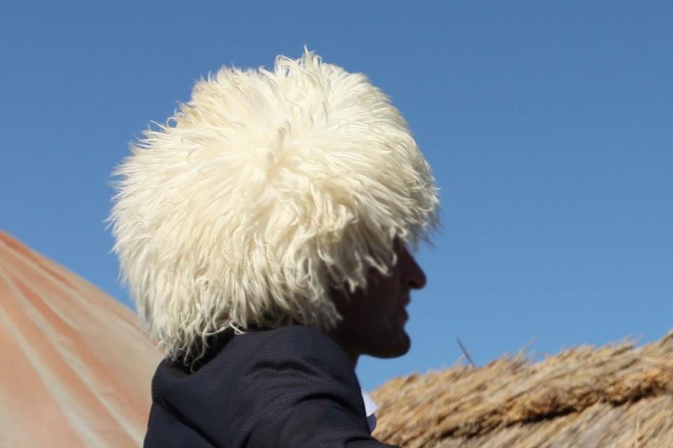 Свадебные кортежи в Ингушетии ограничили четырьмя автомобилями. Запрещено палить в воздух и лихачить. Нарушителю грозит отречение общины