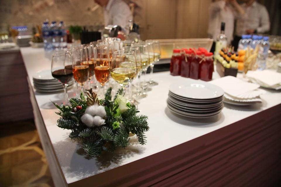 Диетолог оценила праздничный стол россиян на Новый год
